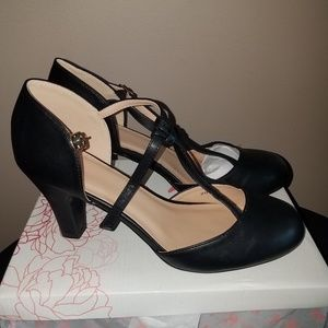 Journee collection high heels